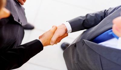 Együttműködés a versenyhivatal és a közlekedési hatóság között