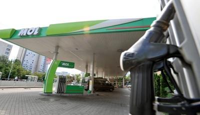Kettessel is kezdődhet mától a benzin ára