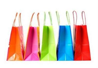 A fiatalok háromnegyede az alacsonyabb ár miatt vesz hamis terméket