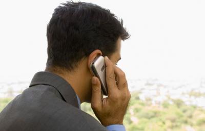 A mobiltelefon roncsolja a férfiak nemzőképességét