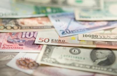 Változékony a forint árfolyama a dollárral szemben