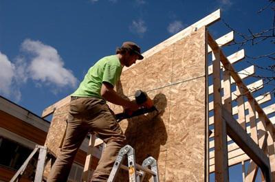 Évente 42 ezer új lakás építése és 400 ezer felújítása szükséges