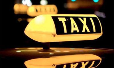 A Kormány a szabályokat betartó taxisok mellett áll