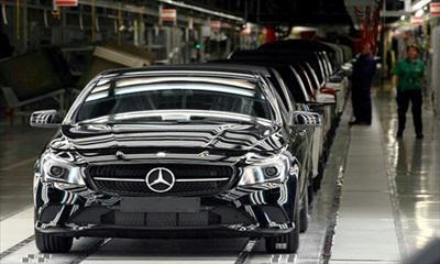 Vezető helyen a Mercedes