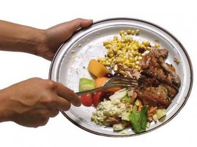 Felére csökkentené az unió a kidobott élelmiszert