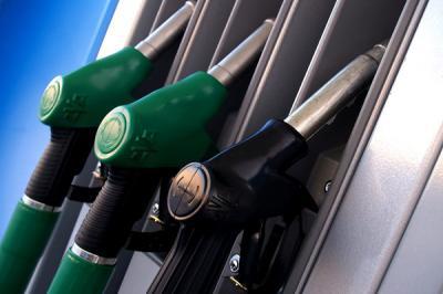 Megérjük, hogy 2-es számjeggyel kezdődik a benzin és a dízel ára?
