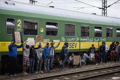 A kormány korlátozná a menedékkérők szabad mozgását