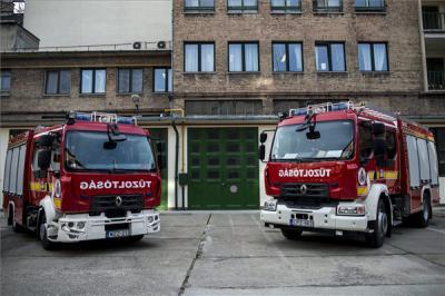 Szerda estig 340 alkalommal riasztották a tűzoltókat