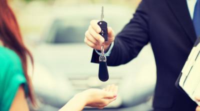 Autót venne télen? Vigyázzon, több az eladásra kínált sérült gépjármű!
