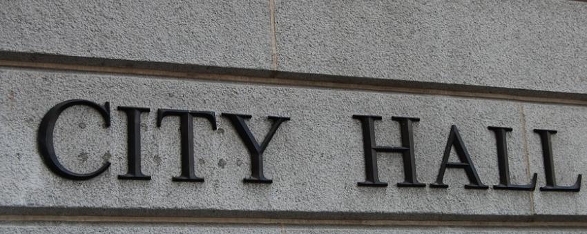 polgármesterek bruttó havi fizetése bére